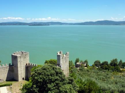 Castiglione_del_Lago,_Lago_Trasimeno