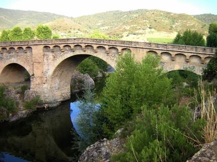 Corsica_ponte_genovese_tavignano_Altiani