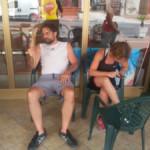 RomAtene-quarto-giorno-riposo-davanti-al-bar-300x225