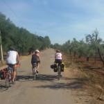RomAtene-ottava-tappa-taranto-brindisi-gruppetto-pedala