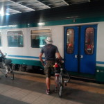 L'imbarco sul treno per Napoli